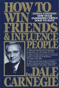 How to Win Friends & Influence People-Revised-Dale Carnegie-067142517X